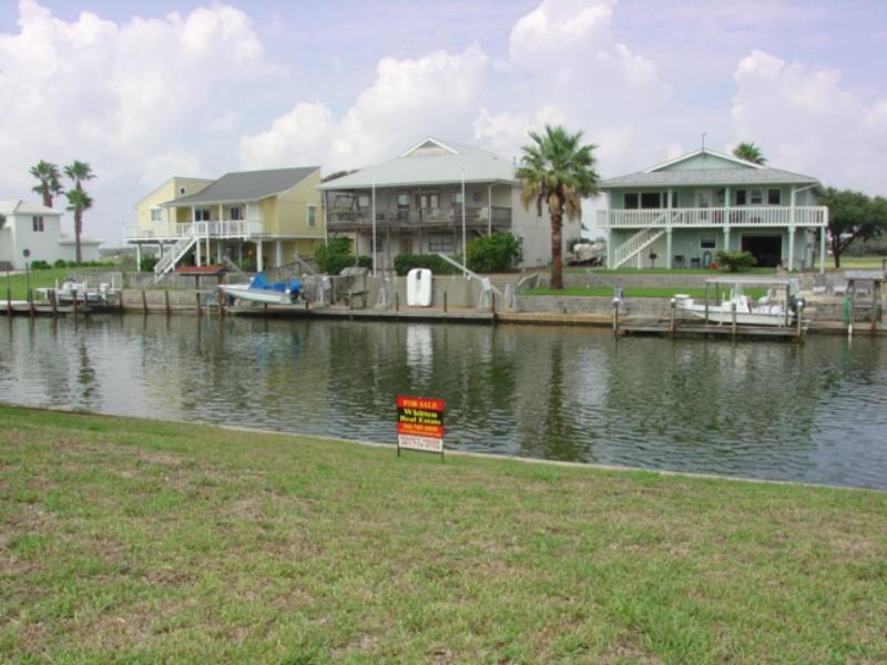 Captain 39 s cove rockport texas port aransas real estate for Rockport texas real estate waterfront